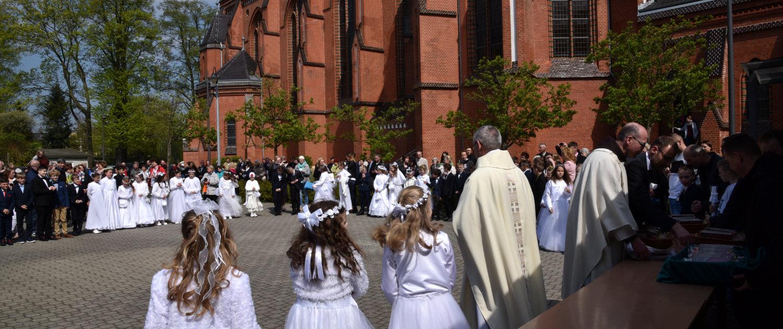 Erstkommunion vor St. Jakobus